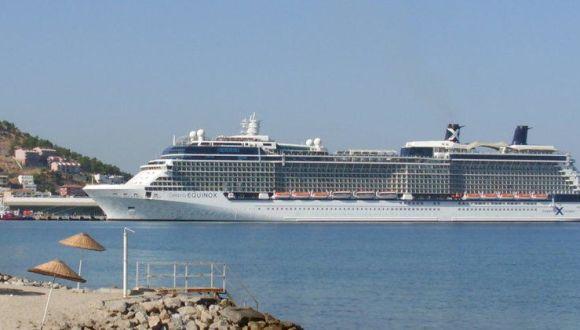 Das Schiff im Hafen von Kusadasi