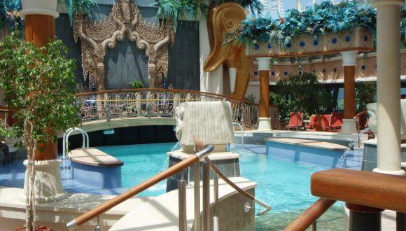 bilder pool serenade of the seas royal caribbean. Black Bedroom Furniture Sets. Home Design Ideas