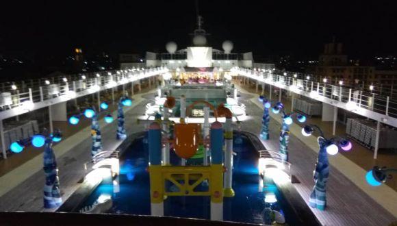 MSC Opera bei Nacht
