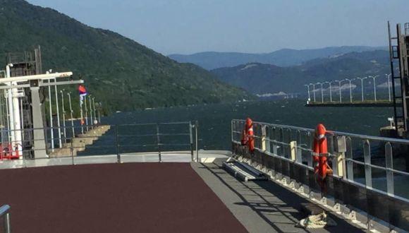 Fahrt zur größten Schleuse auf der Donau