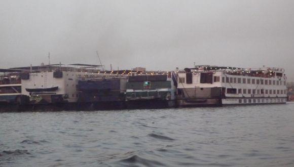 Dieselgestank der ankernden Nachbarschiffe