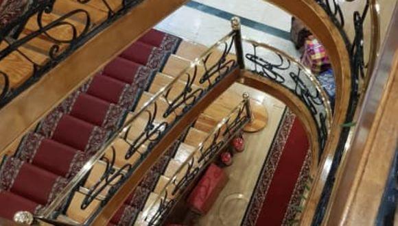 Von oben nach unten die Treppen