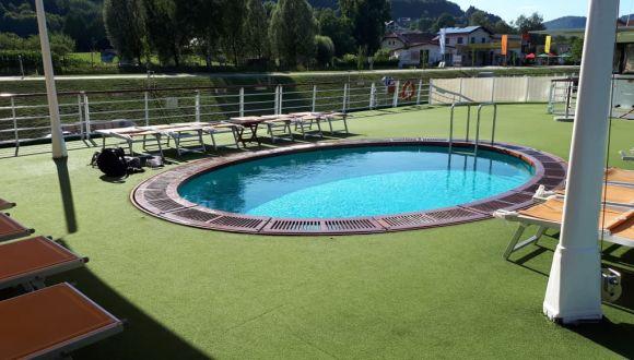 Pool auf dem Sonnendeck