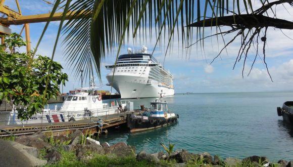 Equinox im Hafen von Puerto Limon - Costa Rica