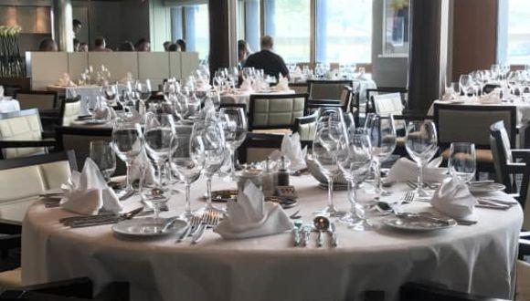 Tisch toll gedeckt