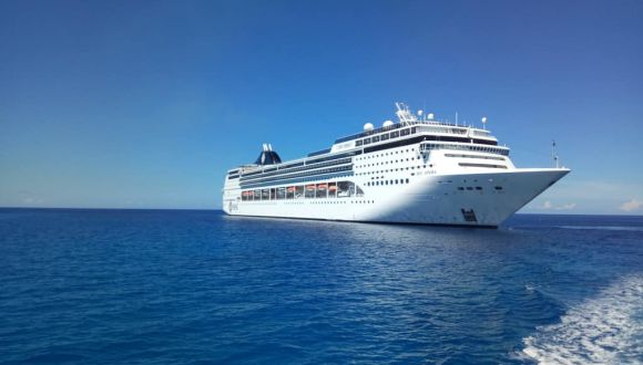 Tendern vor Grand Cayman
