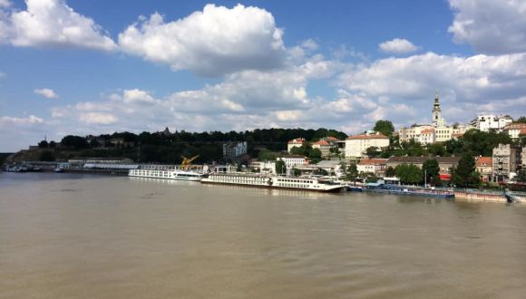 Nestroy vor Belgrad im Savehafen