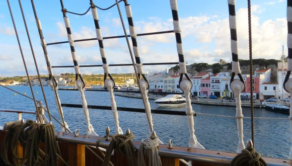 Sea Cloud II verläst Menorca