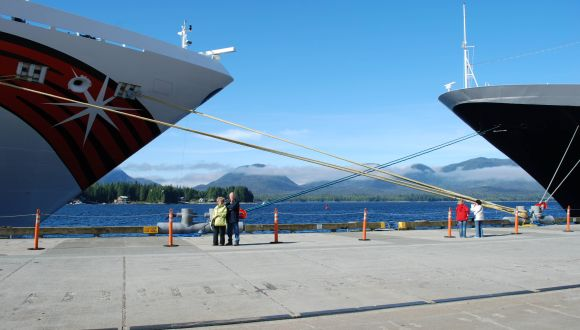 Norwegian Jewel im Hafen von Ketchikan / Alaska