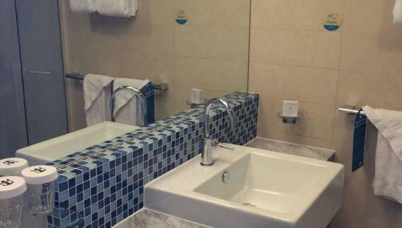 Bad unten Crown Loft Suite 56 Deck 17