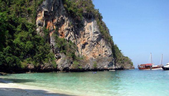 Landgang Monkey beach (Koh Phi Phi)