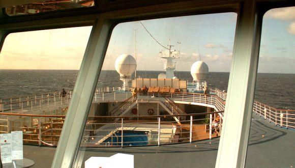 Blick von der Panoramabar auf das Vorschiff