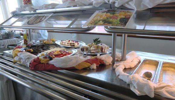 Mittagsbüffet auf Deck 7