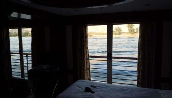 Ausblick aus der Kabine auf den Nil