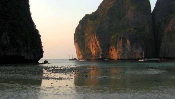 Abenddämmerung in der Maya Bay