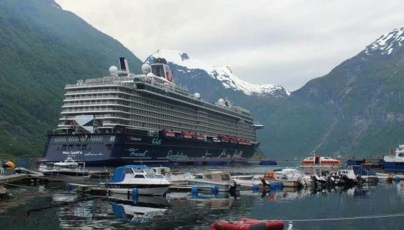 Traum Schiff Und Jungfernfahrt Zum Nordkap Mein Schiff 6 Tui