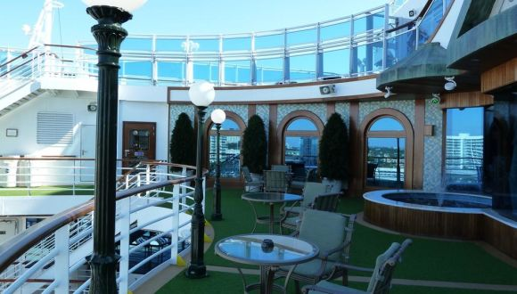 Terrasse vor dem Sabatini Restaurant