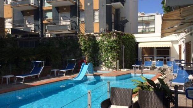 Hotel golf in riccione holidaycheck emilia romagna italien - Bagno 53 riccione ...
