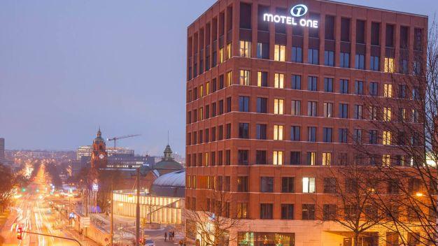 Motel one wiesbaden in wiesbaden holidaycheck hessen for Designhotel hessen