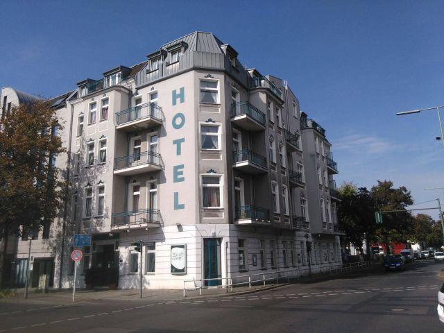 angebote hotel larat berlin reinickendorf g nstig. Black Bedroom Furniture Sets. Home Design Ideas