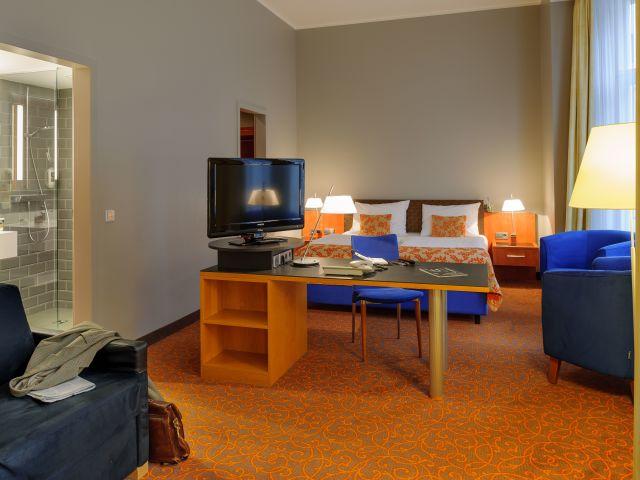 angebote mercure hotel residenz berlin checkpoint. Black Bedroom Furniture Sets. Home Design Ideas