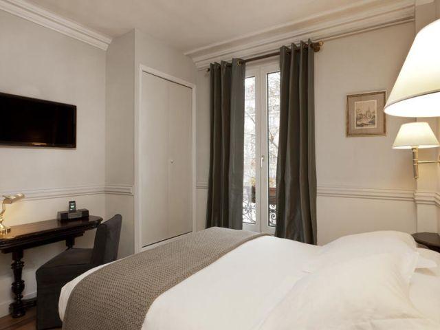 angebote hotel de la porte dor e paris g nstig online. Black Bedroom Furniture Sets. Home Design Ideas