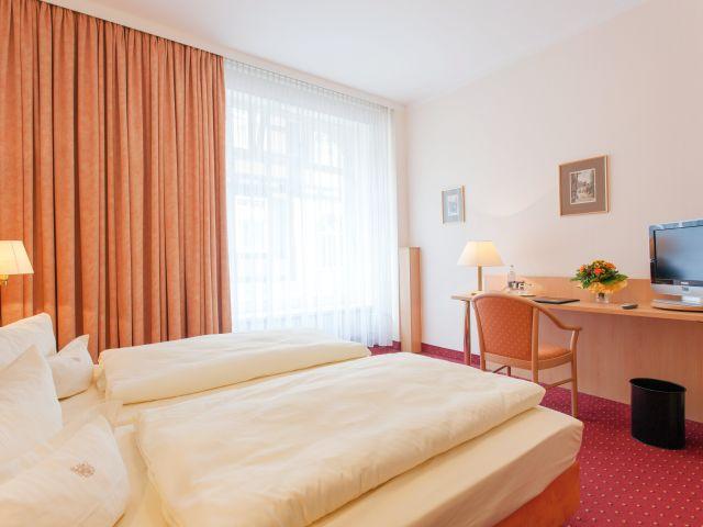 angebote hotel benn berlin spandau g nstig online. Black Bedroom Furniture Sets. Home Design Ideas