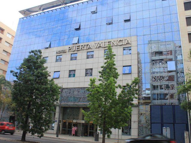 Angebote hotel silken puerta de valencia valencia g nstig online buchen holidaycheck - Hotel silken puerta de valencia ...