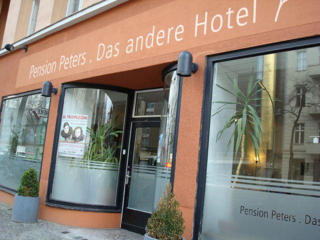 angebote pension peters berlin charlottenburg. Black Bedroom Furniture Sets. Home Design Ideas