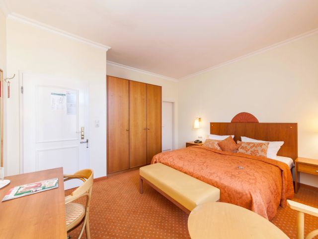 angebote novum hotel kronprinz berlin berlin. Black Bedroom Furniture Sets. Home Design Ideas