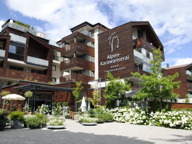 Angebote alpen karawanserai time design hotel saalbach for Design hotels angebote
